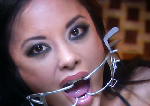 Lascivious harlot Kaylani Lei holds her mouth wide open during the time that getting cummed on