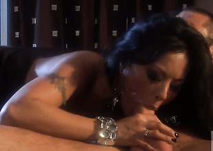 Kaylani Lei is on the edge of nirvana with jizz in her mouth