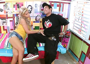 Blonde sexy Bridgette B gets cum drenched after sex with hawt guy