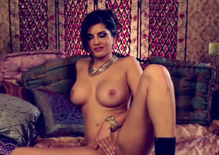 Appetizing dark brown babe Sunny Leone gets rid of lingerie and goes solo