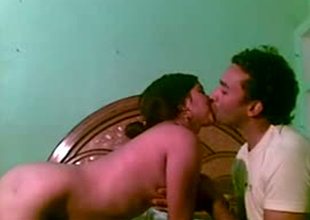 Amateur Indian chick giving head in homemade sex tape