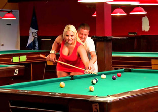 Curvy blonde bitch fucked on the pool table so well