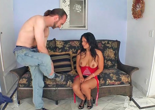 Asian milf Jessica Bangkok gets screwed by a slim dude