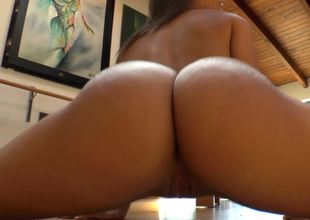 Perfect ass pornstar Abella Danger shows it off in close up