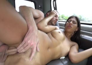 A sexy amateur that likes getting cumshot is in the car, screwed