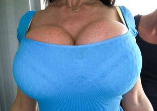 Big tit MILF gets her pussy filled