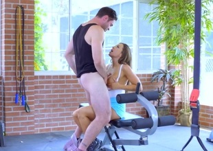 Abigail Mac & Nicole Aniston & Charles Dera in Gym And Juice - Brazzers