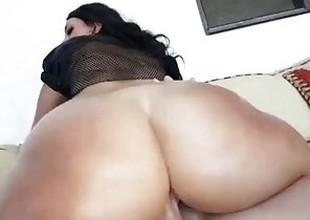 TeenCurves - Ava Alvares Has Big Booty Curves