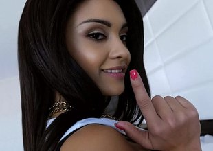 Youthful new Latina Jaye Austin