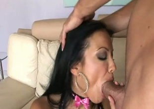 Sexy cock rider Maya Gates bouncing juicy snatch on giant man bone