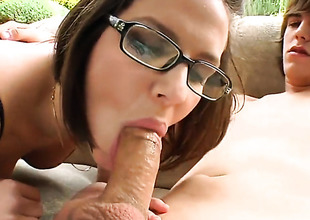 Bobbi Starr bonks a young dude