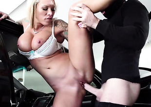 Johnny Sins admires fuck crazed Lolly Inks body before this babe takes his rod in her bush