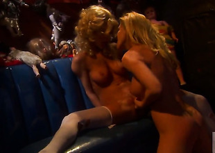 Sammie Rhodes is in the mood for pussy licking and does it with lesbo Lexi Lamour