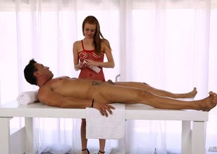 Sage the masseuse lady knows how to make her clients cum again