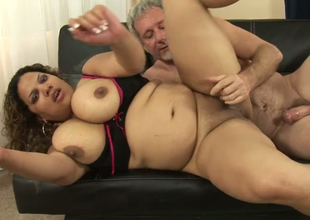 Horny fat Latina Carmella Sweet gets her bald snatch hammered