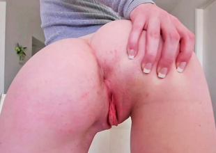 Ginger babe shakes her large fun bags and has sex