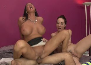 Skinny wench and a curvy mommy ride a pecker together