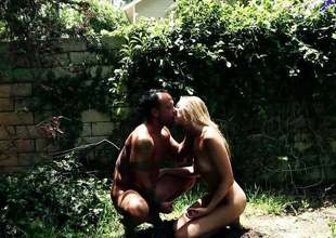 Jessie Andrews getting kinky in the backyard