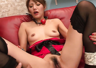 Mei Aso is completely naked and plays with her vagina non-stop