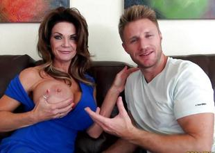 Pussy pie mom Deauxma screwed deep