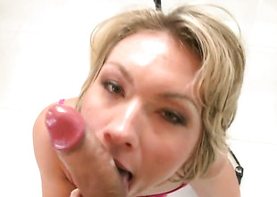 Blonde Holly Marie Bryn with big booty is on the edge of nirvana with man cream in her mouth