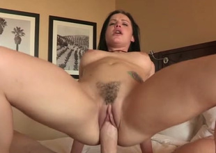 Yummy large bottomed babe loves both blowing and topping fat prick