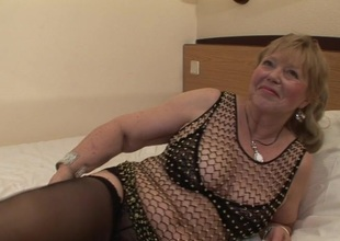 Granny loves to suck the cock