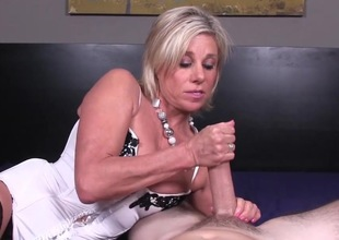 Amateur slut enjoys a good handjob