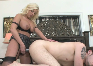Hot as fire blonde hoe Britney Amber fucks Wolf Hudson with a strap on