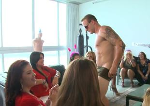 Bachelorette party gals are really good at sucking big stripper cock