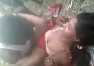 Sexy Indian girlfriend gets boned in the woods