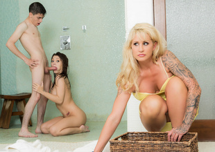 JoJo Kiss & Ryan Conner & Jordi El NiГ±o Polla in Sharing The Shower 2 - Brazzers