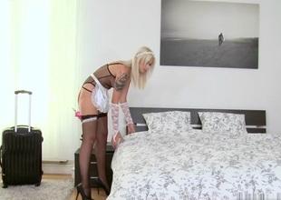 Choky Ice & Arteya in Moist maid - MikesApartment