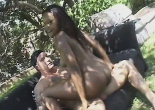 Sensational harlot with amazing body forms is busted by long shaft outdoors