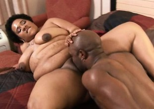 Gigantic black babe with massive curves gets her cooch plowed