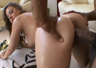 Busty momma Kalee Hunter slammed from behind and sucks pecker clean
