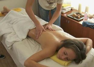 Oil massage makes beauty give oral-service