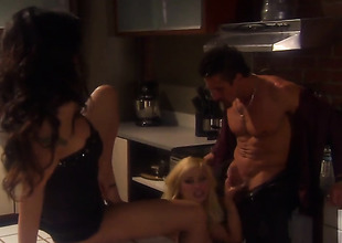Kaylani Lei and Shyla Stylez do a threesome