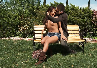 Yummy hottie Kaylani Lei has oral-stimulation experience of her lifetime with hard cocked dude
