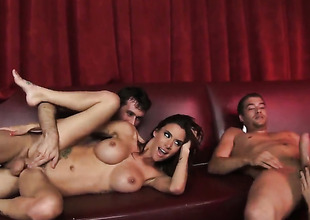 Gia Dimarco and hard dicked guy James Deen are in the mood for fucking
