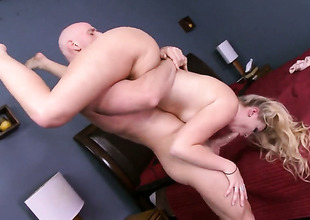 Johnny Sins gets enjoyment from fucking super hawt Melissa Mays mouth