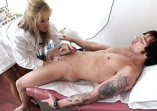 Blonde Darcy Tyler shows her slutty side in cumshot action