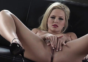 Alexis Texas with clean muff can not stop fingering her pussy