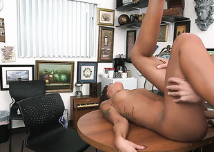 Brunette chicana London Winters with bubbly booty knows that hard boner in hands is the only thing that can make her feel more excellent