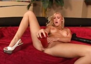 Busty Allison Pierce fills her pussy for pleasure