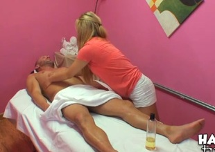 Agile honey performs relaxing, yet nasty massage for a dude