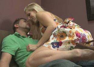 Bootylicious rather pale blond head makes her uncomplaining dude take up with the tongue her ass
