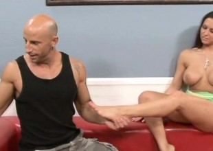 Milf with a set of gorgeous feet gets actually messy with her hung paramour