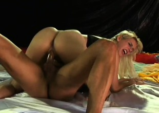 Wicked blonde slut Bianca Lopes doesn't waste any time getting down to dirty anal business