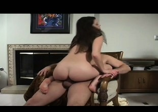 Lusty Kelli Tyler blows her man's cock before he penetrates her twat